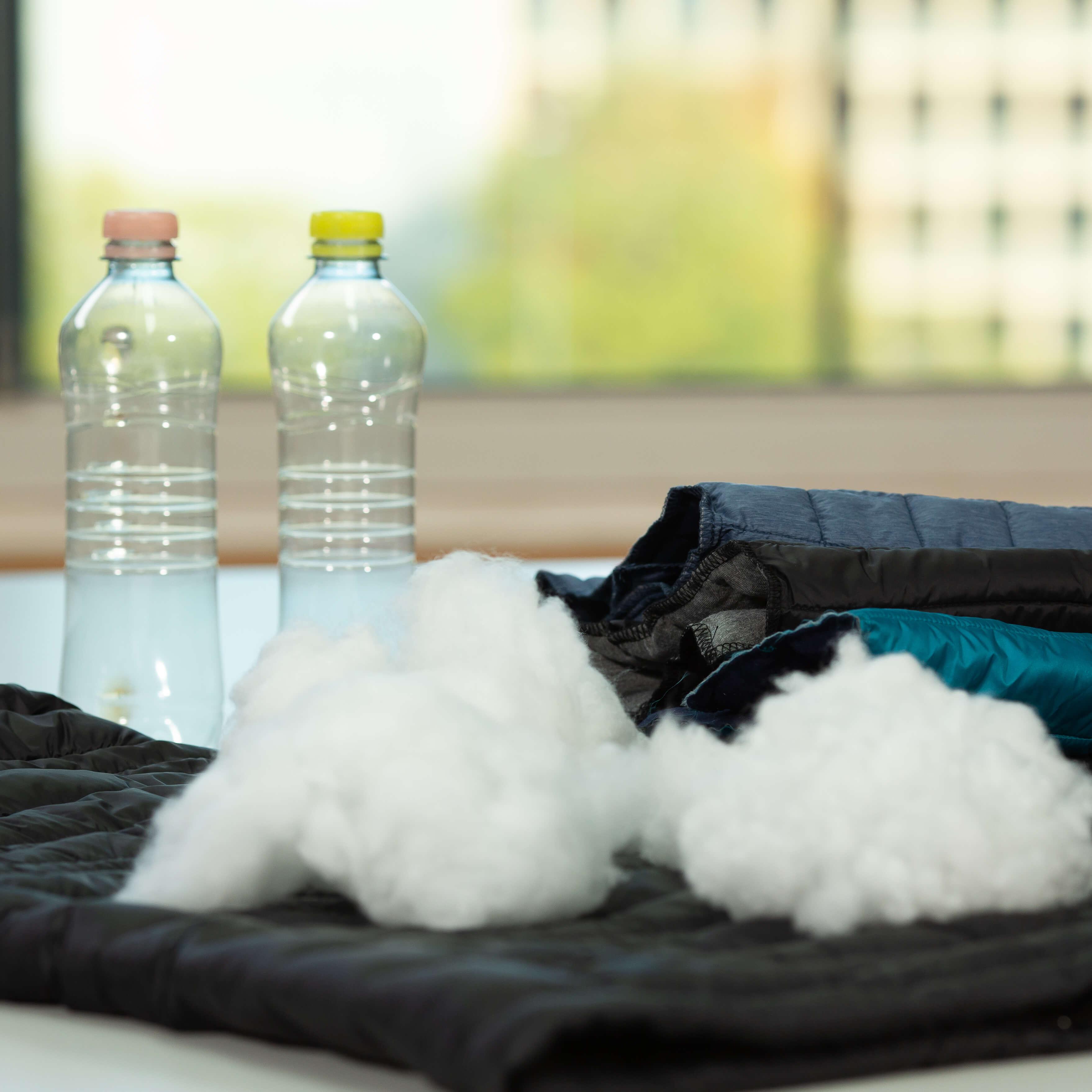 Bio Baumwolle kaufen, Bio Baumwolle und 2 Platikflaschen